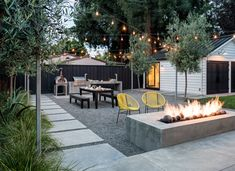 patio design Welcome to a new collection of outdoor designs featuring 15 Startling Contemporary Patio Designs For Your Backyard. Backyard Patio Designs, Backyard Projects, Backyard Landscaping, Patio Ideas, Modern Backyard Design, No Grass Backyard, Stone Backyard, Desert Backyard, Backyard Bbq