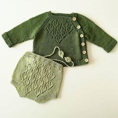 Cardigan, Leggins & Hat - Pattern Set (K - Diy Crafts - maallure Baby Cardigan, Baby Pullover, Knitting For Kids, Baby Knitting Patterns, Stitch Patterns, Diy Bebe, Knitted Baby Clothes, Boys Sweaters, Baby Dress