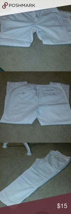 AE Capri's In good condition, worn a few times. Cargo style Capri's. American Eagle Outfitters Pants Capris