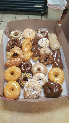 Cute Food, Good Food, Yummy Food, Delicious Donuts, Delicious Desserts, Snack Recipes, Dessert Recipes, Food Wishes, Cute Desserts