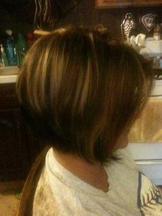From the time of Cleopatra to the era of the modern femme, the bob hairstyle has been in style in one form or another. Bob hair styles comes in different. Bob Hairstyles 2018, Stacked Bob Hairstyles, Short Hairstyles For Women, Brown Hairstyles, Formal Hairstyles, Modern Haircuts, Short Bob Haircuts, Boy Haircuts, Bob Braun