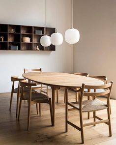 Carl Hansen & Son opens loft-style showroom in San Francisco Table Design, Dining Room Design, Dining Room Table, Chair Design, Home Furniture, Furniture Design, Danish Furniture, Plywood Furniture, Luxury Furniture