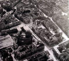 BERLIN SCHÖNEBERG 1945. Welserstraße - Viktoria-Luise-Plartz.