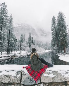 New travel girl photography winter ideas Winter Szenen, Winter Love, Winter Is Coming, Winter Christmas, Winter Senior Pictures, Winter Photos, Winter Pictures, Travel Photography Tumblr, Winter Photography