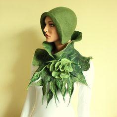 Green scarf with brooch Felted Scarf Ruffle Neck von ZiemskaArt, $87.50