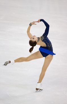 Ashley Wagner Photos Photos - Ashley Wagner of USA competes in the ladies short program at 2016 Progressive Skate America on October 21, 2016 in Chicago, Illinois. - 2016 Skate America - Day 1