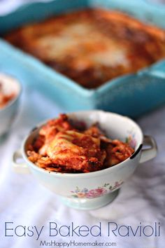 I love this Easy Baked Ravioli recipe so much. It only has 4 ingredients, & my whole family gobbles it up! So super simple & so super yummy too! Easy Baked Ravioli Recipe, Ravioli Bake, Entree Recipes, Cooking Recipes, Meal Recipes, Dinner Recipes, Frugal Meals, Easy Meals, Cheap Meals