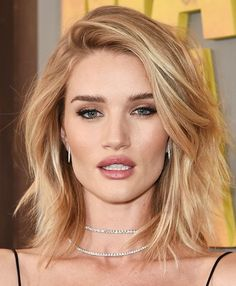 Rosie Huntington Whiteley - Hairstyle for Thin Hair