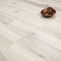 Antarctica Oak 11mm Style Laminate Flooring. £10.99 per m2!