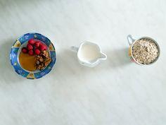 Heute gibt's 3 gesund und richtig schnelle Frühstücksideen, die Ihr morgens, wenn keine Zeit ist, richtig schnell und lecker zubereiten könnt.