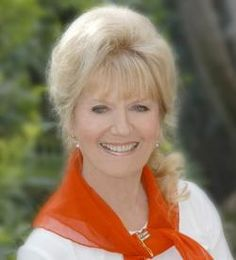 TIL that Kathryn Beaumont was years old when she voiced Alice and Wendy in the original animated Disney films Alice in Wonderland and Peter Pan She returned 50 years later to voice the same characters in 2002 for KingdomHearts at the age of Film Alice In Wonderland, Adventures In Wonderland, Disney Wiki, Disney Films, Kathryn Beaumont, Child Actresses, Female Stars, Feature Film, Peter Pan