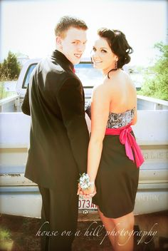 I'm Prefect pic if u have very nice car/truck and show off your date and you boyfriend :)  very cute pic idea ❤