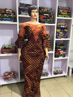 Latest African Fashion Dresses, African Dresses For Women, African Attire, African Print Dress Designs, African Design, Lace Evening Gowns, Ankara Dress, Straight Dress, Ankara Styles