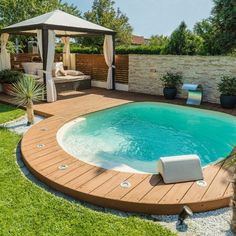Which swimming pool to choose according to the surface of the garden? Which swimming pool to choose according to the surface of the garden? Building A Swimming Pool, Small Swimming Pools, Small Backyard Pools, Backyard Pool Designs, Small Pools, Swimming Pools Backyard, Backyard Landscaping, Kleiner Pool Design, Small Pool Design
