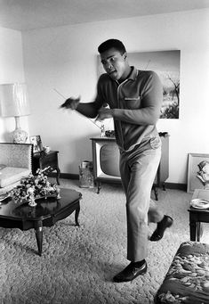 ferrarisheppard:    I am the greatest, I said that even before I knew I was. - Muhammad Ali (photo: Steve Schapiro)