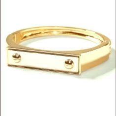 Banana Republic Gold Bangle Gold bangle from Banana Republic. Banana Republic Jewelry Bracelets