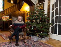 Karel Gott, Hipster, Christmas Tree, Holiday Decor, Style, Memories, Pies, Teal Christmas Tree, Swag