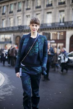 Fotos de street style en Paris Fashion Week: Elettra Wiedemann de Stella McCartney