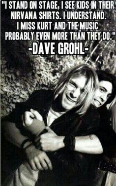 Kurt with Dave I WOULD LOVE TO MEET YOU KURT ❤❤ Leia agora os nossos artigos sobre música grunge em http://mundodemusicas.com/category/grunge/