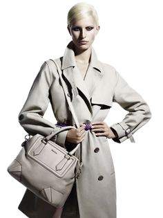 Images courtesy of Max Mara Max Mara goes for a sleek and minimal look with their spring 2011 campaign starring Karolina Kurkova. Photographed by Mario Sorrenti… Summer Chic, Spring Summer, Grey Trench Coat, Minimal Look, Mario Sorrenti, Boss Black, Vintage Coat, Best Model, Max Mara