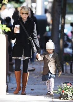 thinking ahead to fall weather.... fashion, michell william, cloth, street style, fall outfit, daughters, closet, brown boots, michelle williams