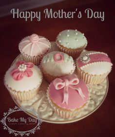 Vintage Mother's Day cupcakes from Bake My Day Custom Cakes by Janet