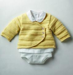 Une brassière croisée plein d'effet pour un bébé plein d'effet