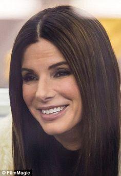 Sandra Bullock hits back at rumors she had FILLERS   Daily Mail Online