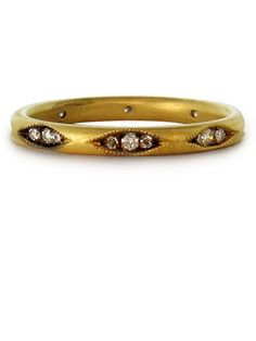 IlaI Clara Ring: $1,810; ilaandi.com #weddingring #nontraditionalbride #engagementring
