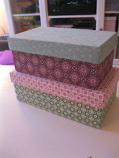 """Her kan du se hvordan du limer stof på skotøjsæsker og det er nemt og billigt! Klar, parat, start: """"Bonderøven"""" i flimmerkassen,... Diy And Crafts Sewing, Paper Wallpaper, Sewing Box, Sewing Ideas, Creative Teaching, Vintage Diy, Fabric Paper, Diy Projects To Try, Fabric Patterns"""