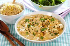 Oppskrift på en herlig og lettlaget gryterett med kylling og kikerter. Retten får en sin hotte smak fra sambal oelek.