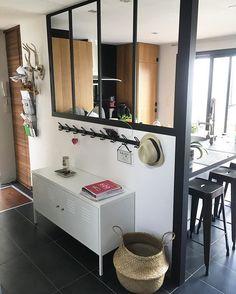 une verri re miroir avec ikea cadres miroirs photos pinterest verri re ikea et miroirs. Black Bedroom Furniture Sets. Home Design Ideas