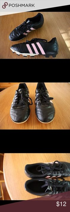 "Girls Adidas soccer / baseball cleats size 5 Pre-Owned Girls youth soccer / baseball / softball Adidas cleats size 5 US / 4.5 UK, cute pink and black in great condition, soles measure 9 3/4"" heel to toe and 3 3/8"" widest part. see photos for details. Adidas Shoes Sneakers"
