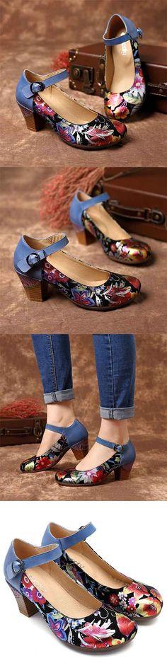Women shoes Flats - Women shoes And Boots - Designer Women shoes Jimmy Choo - Women shoes 2020 Sneakers Pretty Shoes, Beautiful Shoes, Cute Shoes, Me Too Shoes, Vintage Shoes, Vintage Style, Comfortable Shoes, Shoe Boots, Shoes Sandals