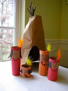 Thanksgiving Crafts for Kids: Play and Learn This is supposed to be a Thanksgiving craft, but as we will be studying American Indians and their relationships with early Pilgrims I think this would be a fun activity for the girls. I would imagine you could Kids Crafts, Thanksgiving Crafts For Toddlers, Thanksgiving Crafts For Kids, Thanksgiving Activities, Preschool Crafts, Fall Crafts, Holiday Crafts, Indian Thanksgiving, Rock Crafts