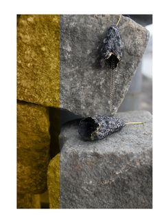 minimalist paper upcycled earring, sustainable fashion, ecofriendly, https://www.instagram.com/reformajewellery/