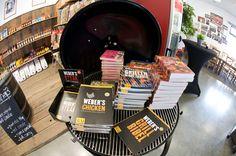 Weber Grillrezeptbücher gibt es bei Weststyle in Hülle und Fülle. Weber BBQ Bibel, Webers Grillen, Steak, Hamburger oder vegetarisch Grillen
