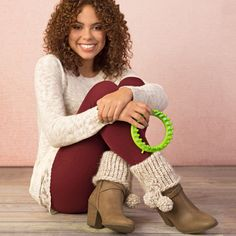 "Add these fun accessories to your boots to match a scarf or hat. Quick and easy with loom knitting! <p style=""text-align:center""><img alt="""" src=""http://demandware.edgesuite.net/aawa_prd/on/demandware.static/-/Sites-simplicity-project-master/default/dw79368827/images/project/Project-Ratings_Yarn-Weights/Easy.jpg"" title="""" /></p>"