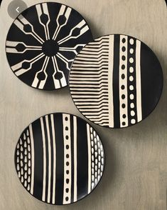 Most recent Photo Clay pottery painting Popular Parallel Chulucanas Platter, Shelf Decor: Serrv International Pottery Painting Designs, Paint Designs, Painted Plates, Plates On Wall, Hand Painted Ceramics, Ceramic Painting, Ceramic Art, Diy Wall Art, Diy Art