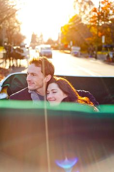 Cuddle up, ride a carriage, fall back in love and enjoy Victoria's festive Christmas atmosphere #Christmas #romance #carriage #VictoriaHOHOHO | http://www.tourismvictoria.com/christmas/