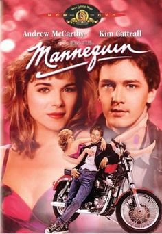 Who can resist Mannequin? It was the best, Andrew McCarthy and Kim Cattrall, thumbs up! Andrew Mccarthy, Kim Cattrall, 80s Movies, Great Movies, Awesome Movies, Movies Of The 80's, Sunday Movies, Family Movies, Love Movie