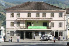 5-Alcaldía de Sonsón. En plaza principal. 2006. Plaza, Mansions, House Styles, Home Decor, College Life, Houses, Decoration Home, Manor Houses, Room Decor