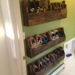 43 Awesome Shoe Storage Diy Projects For Small Spaces Ideas Fantastische Shoe Storage Diy Projekte f Shoe Storage Diy, Diy Shoe Rack, Storage Ideas, Wood Pallet Furniture, Wood Pallets, Home Furniture, Furniture Chairs, Furniture Ideas, Unique Home Decor
