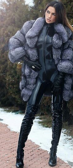Catsuit, boots, and silver fox jacket Latex Fashion, Fur Fashion, Womens Fashion, Leather Catsuit, Leather Gloves, Sexy Outfits, Sexy Stiefel, Thigh High Boots Heels, Sexy Latex