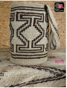 Wiggly Crochet, Rock Art, Ikat, Wicker, Weaving, Reusable Tote Bags, Tapestry, Diy Crafts, Throw Pillows