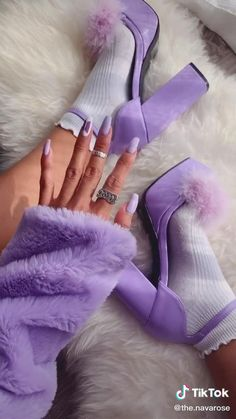Aesthetic Shoes, Aesthetic Clothes, Diy Fashion Hacks, Diy Vetement, Fashion Shoes, Fashion Outfits, Cute Heels, How To Make Clothes, Clothing Hacks