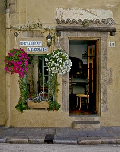 Restaurant Le Regain by Barbara Eggermann