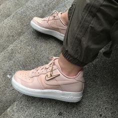 Sneaker women - Nike Air Force 1 (by IG@_milavanilla)