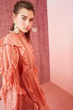 Ulla Johnson Resort 2019 Fashion Show Collection: See the complete Ulla Johnson Resort 2019 collection. Look 22