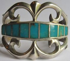 GORGEOUS WIDE VINTAGE AMERICAN INDIAN CAST SILVER INLAID TURQUOISE CUFF BRACELET
